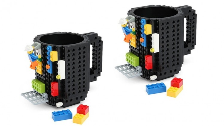 2 Brick builder mugs
